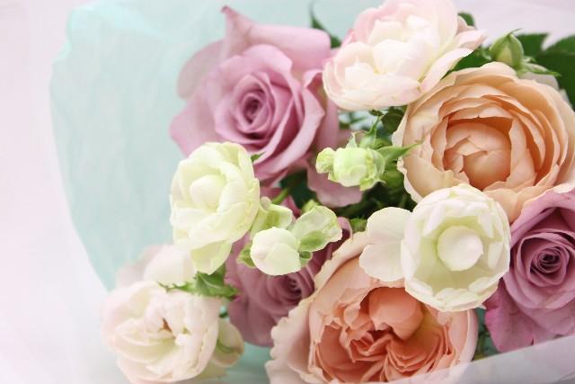 成人式の髪飾りは生花で決まり♡花の選び方と作り方!