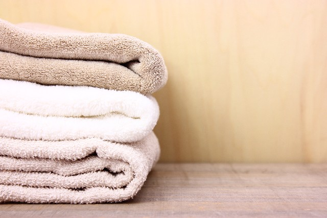 得する人損する人春日の得ワザストレッチ バスタオルを使って肩こり改善!