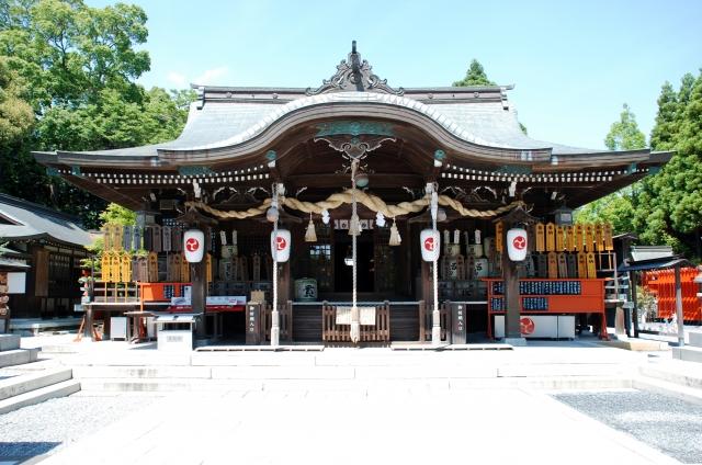 琴崎八幡宮はお守り800種で日本一!バスや車でのアクセスや近辺グルメもご紹介